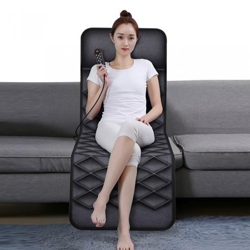 Nệm massage toàn thân hồng ngoại trị đau lưng cổ vai gáy Nikio NK-151 có gối mát xa cổ